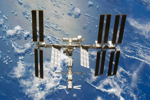 Nasa Turns To Public To Design Arm For Iss Flying Robot