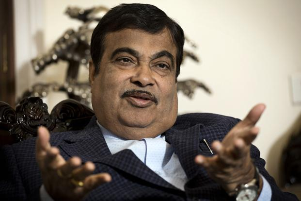 Deadline for stalled road  projects given by Nitin Gadkari - Livemint