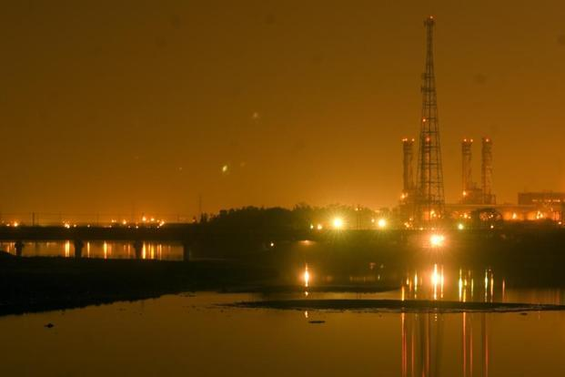 Government seeks to raise  Rs5,000 crore from 5% stake sale in NTPC - Livemint