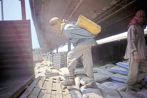 Ultratech Cement Market : Ultratech leading race to acquire jaypee s mt cement