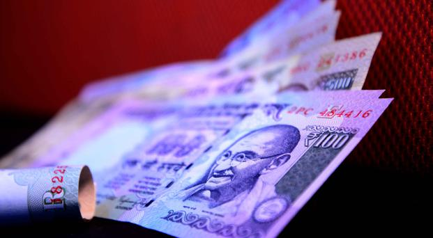 Rupee posts biggest single-day  gain in 6 months - Livemint
