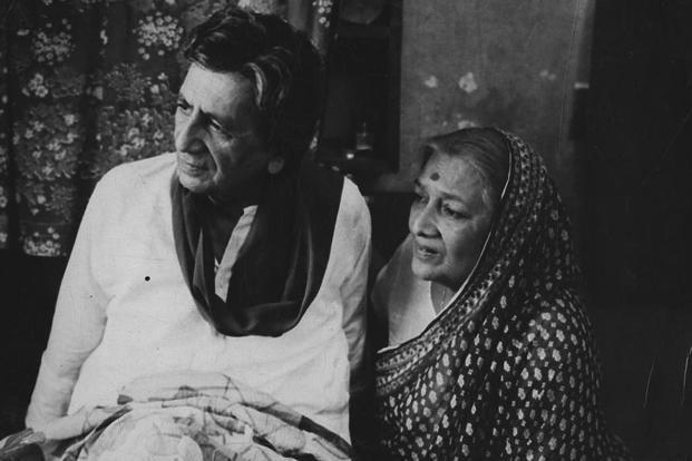 Bhisham Sahni and Dina Pathak. Photo: Hindustan Times