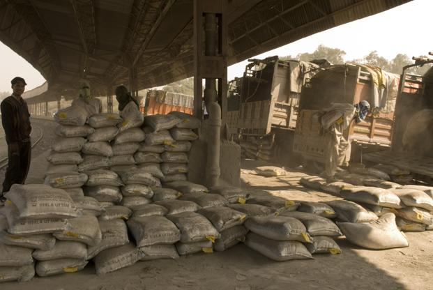 India has a total cement capacity of 415 mtpa with utilization of around 70% at the end of financial year 2016. Photo: Mint (Mint)