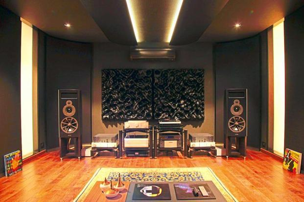 The acoustics of the Listening Room have been designed by Rainer Weber, technical director of Kaiser Acoustics, makers of some of the best speakers in the world.