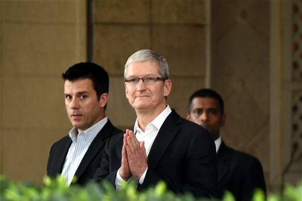 Apple chief executive officer Tim Cook in an interview with NDTV 24X7 during his visit to India earlier this month had expressed his desire to import refurbished iPhones to India to make such phones available at an affordable price to Indian consumers. Photo: PTI