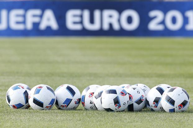 The Beau Jeu has the same panel design as the Brazuca balls. A lot of the construction elements have been retained, including the six-panel assembly—six polyurethane panels which were thermally bonded together. Photo: Reuters