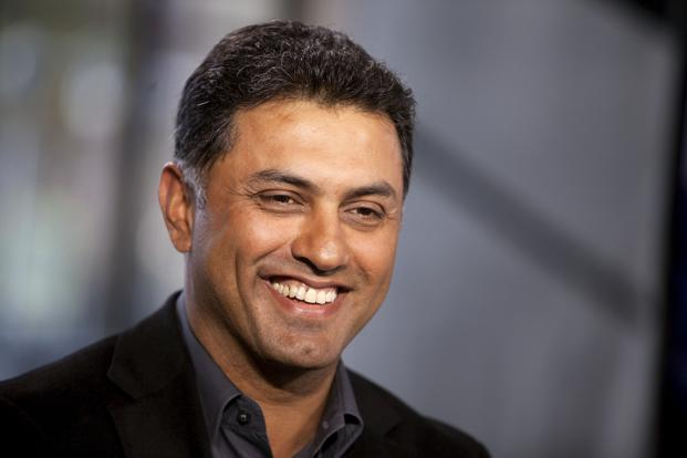 SoftBank founder Masayoshi Son would not give up the reins of his investment empire to chosen successor Nikesh Arora, making Arora pack his bags, sell his stock and prepare to depart, even without a destination in mind. Photo: Bloomberg