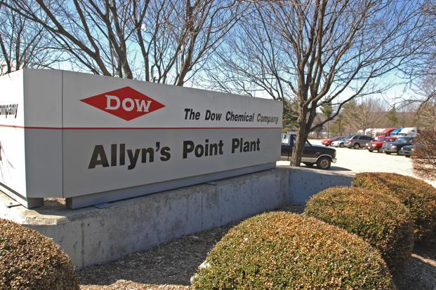 Dow Chemical to cut 2500 jobs; hikes cost synergies target from revamp