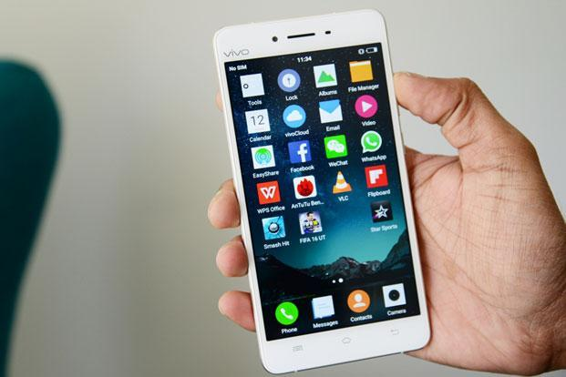Read up on the user reviews of any app before downloading. Photo: Ramesh Pathania/Mint