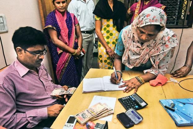 If approved by the government of India, Grameen Swarozgar Yojana will become the first government policy intervention backed by rigorous scientific evidence that will aim to provide sustainable livelihood opportunities to the ultra-poor. Photo: Mint