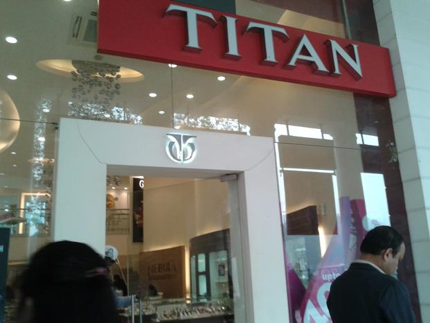 Titan's stock price fell 2.10% to <span class='WebRupee'>Rs.</span>414.40 on a day the benchmark Sensex fell 1.02% to 27,697.51 points. Photo: Mint