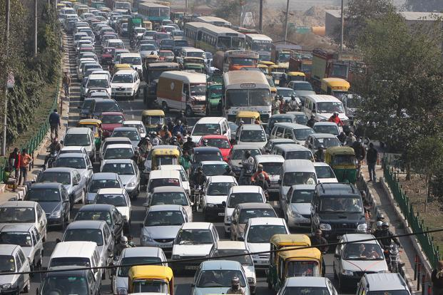 The report says that behaviour is critical to mobility. New policies need to capture citizens' changing transit behaviour and social norms. Photo: Hindustan Times