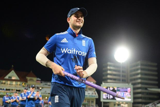 England's Alex Hales leaves the pitch with his team as they celebrate winning the third one-day international (ODI) cricket match between England and Pakistan at Trent Bridge cricket ground in Nottingham. Photo: AFP