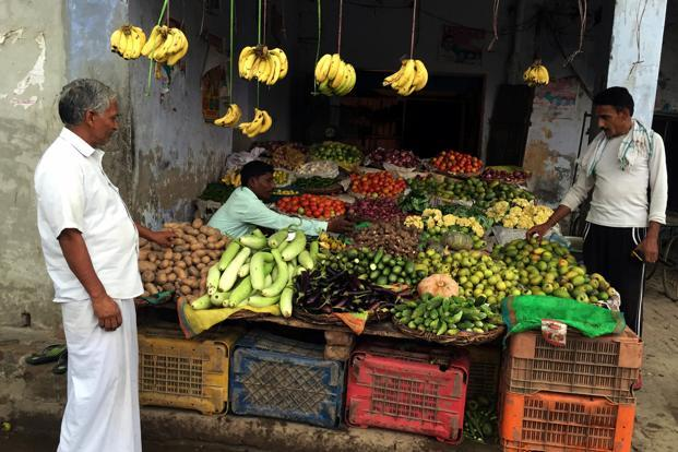 In low-income countries, including India, only 27% of the population could have more than one serving of fruits per day. Photo: Reuters