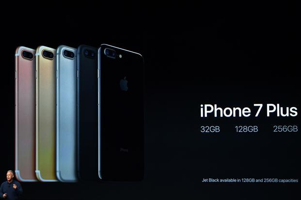 iphone price range apple iphone 7 available in india from 7 october for rs60 22092