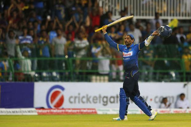 Sri Lanka's Tillakaratne Dilshan acknowledges the crowd as he returns to the pavilion after playing the final match of his career, during the second Twenty20 cricket match against Australia in Colombo on Friday. Photo: AP