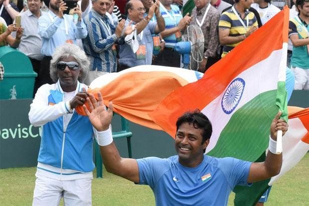 Leander Paes (with flag). Photo: Sanjeev Sharma/Hindustan Times