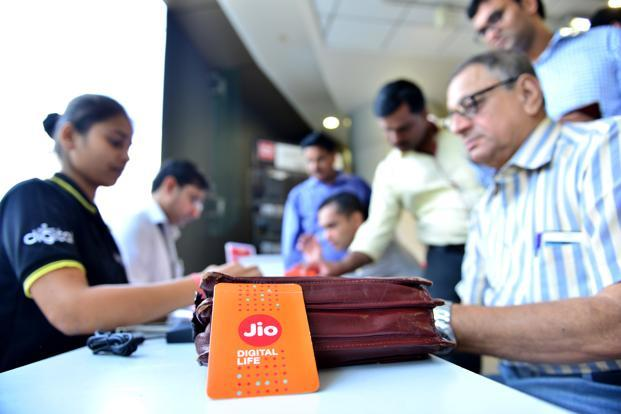 Reliance Jio claims Airtel hasn't provided enough points of interconnect. Airtel's counter is that Reliance Jio is creating a controversy to mask inadequacies in its own service. Photo: Aniruddha Chowdhury/Mint