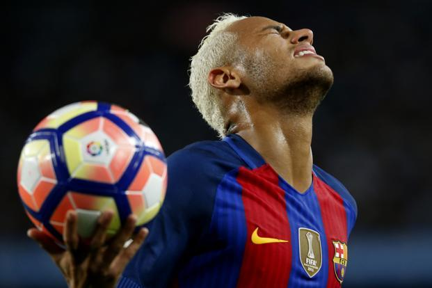 A Spanish court reopened a fraud and corruption investigation into Brazilian football player Neymar over his transfer to Barcelona three years ago. Photo: AFP