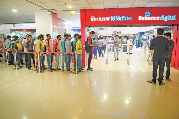 Analysts are excited about Reliance Jio's prospects of gaining reasonable market share.  Photo: Indranil Bhoumik/Mint