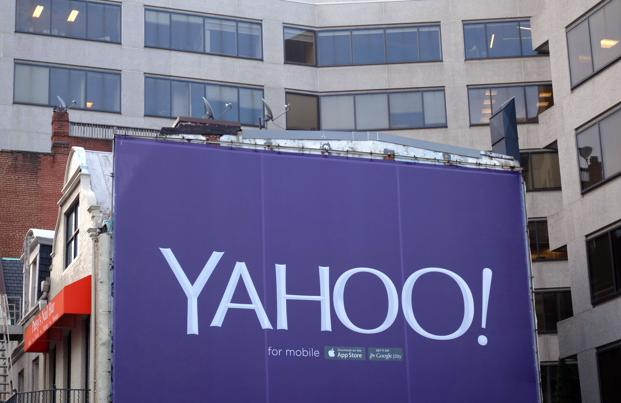 The Yahoo Newsroom application uses algorithms in the same manner as Google, Facebook in delivering personalized news, but also enables users to adjust the content and offer their own views. Photo: AFP