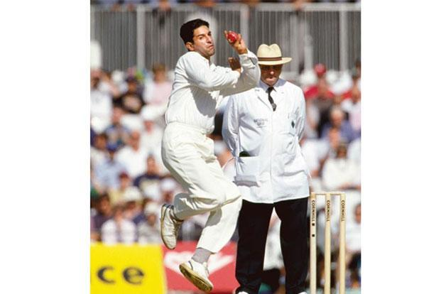 Pakistan's Wasim Akram in full flow at a Test match against England, 1996. Photo: David Munden/Popperfoto/Getty Images