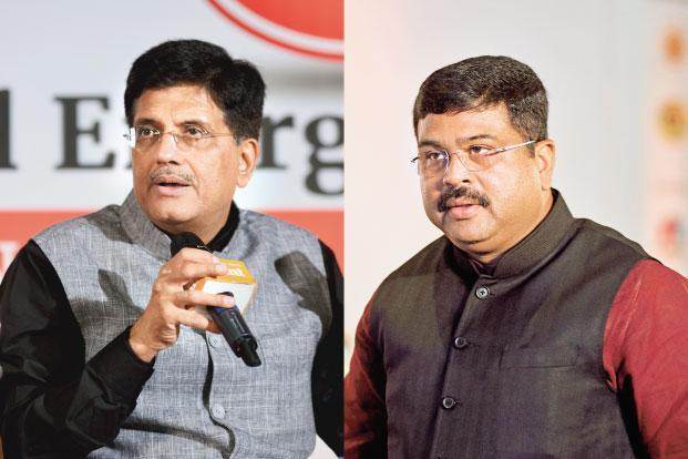 Gas, renewables hold key to sustainable economic growth, say power minister Piyush Goyal (left) and oil minister Dharmendra Pradhan. Photo: Pradeep Gaur/Mint