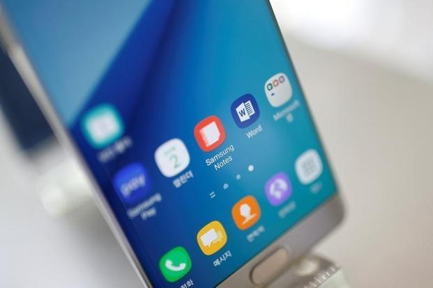 Samsung started replacing the Note 7 last month because of a flaw in its lithium battery which can lead to overheating and pose a burn hazard to customers. Photo: Reuters
