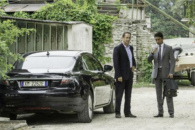 Tom Hanks and  Irrfan Khan in a still from 'Inferno'