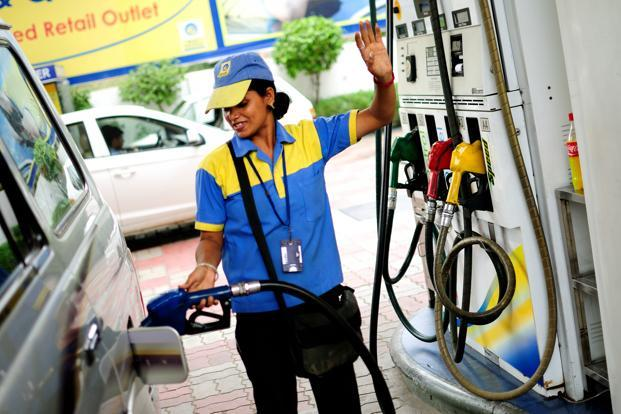 The price of petrol was last hiked by 14 paise per litre and that of diesel by 10 paise a litre on 5 October, following an increase in commission paid to dealers. Photo: Pradeep Gaur/Mint