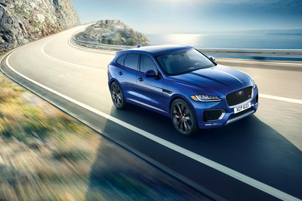 The Jaguar F-Pace comes with a 2 litre 4-cylinder 132 kW turbocharged JLR's Ingenium diesel engine.