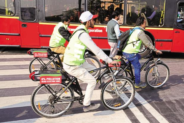 The report said that some 1.3 million people die each year on the roads, almost half of them pedestrians, cyclists and motorcyclists. Photo: Ramesh Pathania/Mint