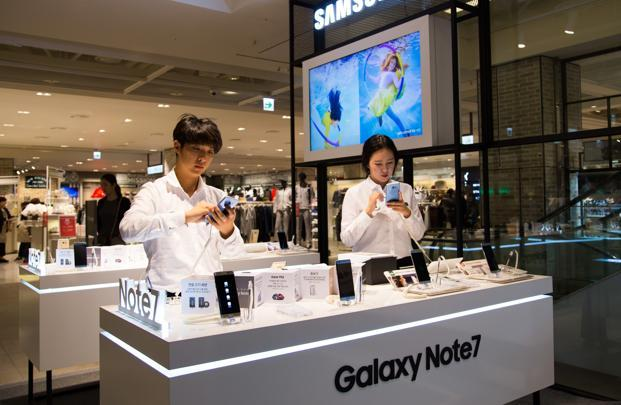 Samsung Electronics blamed faulty batteries for the problem in their flagship device Galaxy Note 7, which were recalled from the market. Photo: Bloomberg