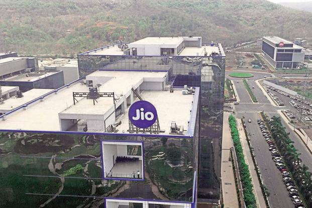 Reliance Industries had said on 20 October that the welcome offer on Jio that the company had launched on 5 September will get over on 3 December but the benefits of free data and calls will continue till 31 December. Photo: Reuters
