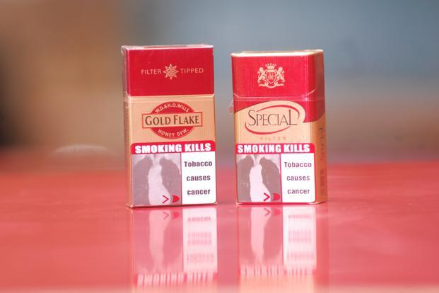 India earlier this year ordered manufacturers to cover 85% of their tobacco pack's surface in health warnings, up from 20%. Photo: Indranil Bhoumik/Mint