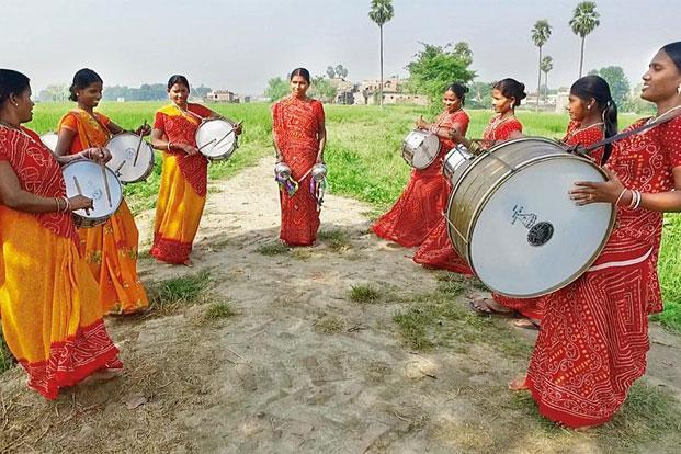 Members of the Nari Gunjan Sargam Mahila Band. Photo: Sumit Sharma