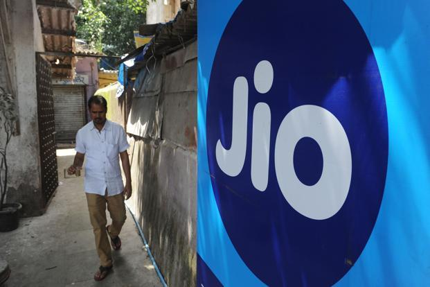 Reliance Jio has slammed Airtel for providing only one-way PoIs for completing calls rather than two-way nodes, calling it a violation of licence agreement. Photo: