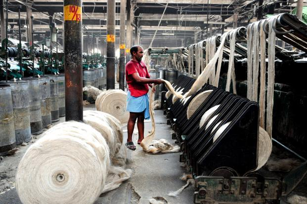 Workers in a jute mill in Hooghly, West Bengal. Photo: Indranil Bhoumik/Mint