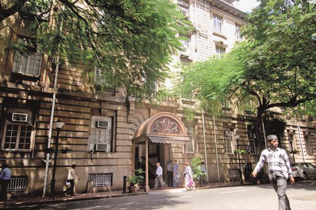 Tatas' Bombay House in Mumbai. Independent directors at several grpup firms have chosen sides in the Tata-Mistry spat. Aniruddha Chowdhury/Mint