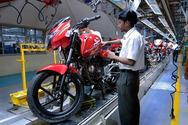 Bajaj's motorcycle sales grew 1% to 331,976 units in September, against 3,30,228 last year. Photo: Abhijit Bhatlekar/Mint