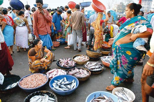 Will the local fish seller survive the cashless economy? Photo: Abhijit Bhatlekar/Mint
