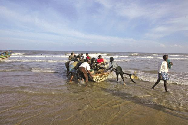 Sri Lankan Navy chased away hundreds of other Indian fishermen by allegedly pelting them with bottles and stones. Photo: Bloomberg