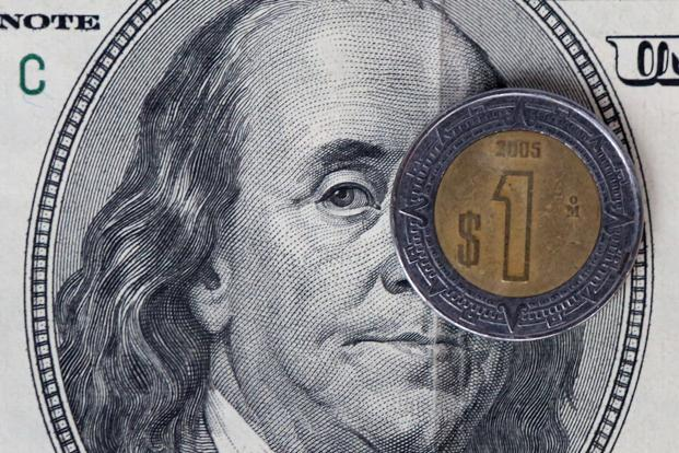 The euro advanced 0.3% to $1.0622, halting the 10-day drop that saw Europe's single currency weaken 5%. The yen fell 0.2% to 110.75 per dollar, extending the 1.7% drop in the previous two trading days. Photo: