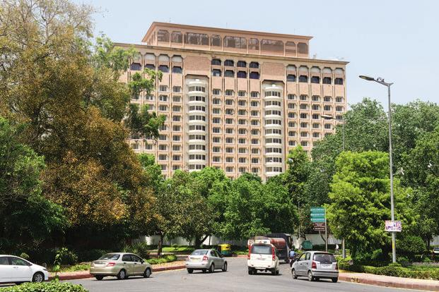IHCL, which runs the Taj Mansingh Hotel in the national capital, had on 8 November approached the apex court against the Delhi high court order that cleared the decks for auctioning of the iconic property. Photo: Ramesh Pathania/Mint
