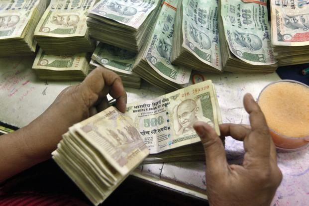 Modi government's bid to checkmate graft has effectively scrapped more than 85% of notes in circulation. Photo: Reuters