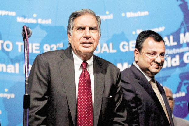 Ratan Tata (left) and Cyrus Mistry. People close to Mistry say he is fighting to highlight the corporate governance issues at Tata Sons. Photo: PTI