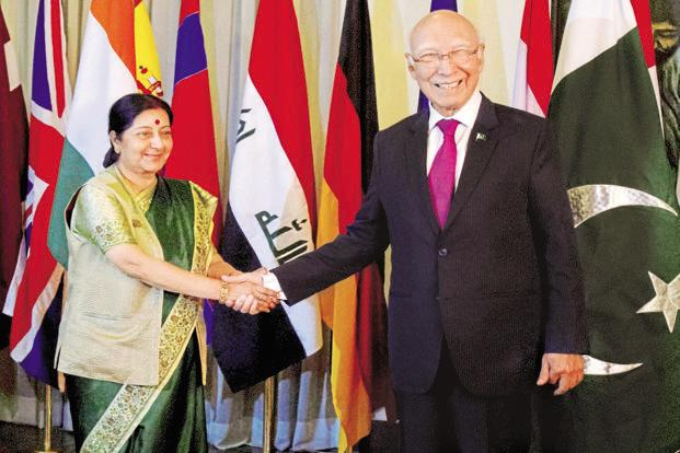 Sartaj Aziz (right) and Sushma Swaraj announced launch of the 'comprehensive bilateral dialogue' when Swaraj visited Pakistan for the Heart of Asia conference last year. Photo: PTI