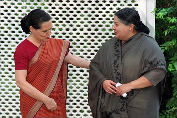 Tamil Nadu's chief minister Jayalalithaa with Congress president Sonia Gandhi at the latter's residence in New Delhi on 5 June 2001. HT