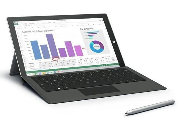 Microsoft Surface Pro 4 offers 12.3-inch full HD (1,920x1080p) display and 128GB SSD.