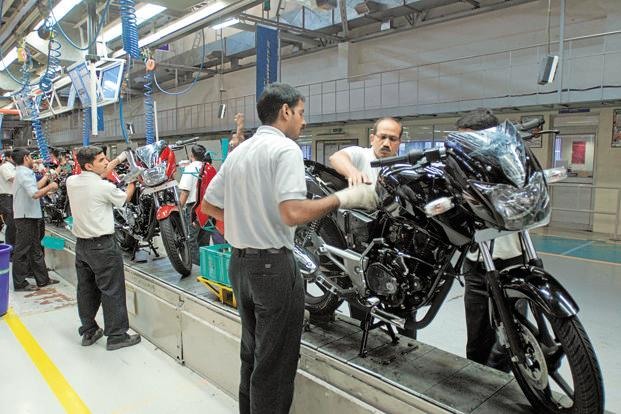 Bajaj Auto saw its domestic bike sales declining by 11% at 1,06,665 units last month as against 1,20,322 units in the same month a year ago. Photo: Hindustan Times